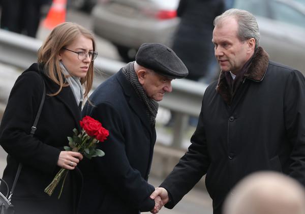 Евгений Ясин и полномочный представитель президента России в Госдуме Гарри Минх (справа)/ТАСС