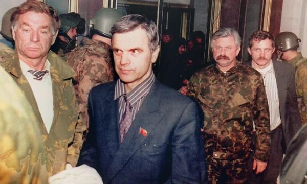 Арест Руслана Хасбулатова и Александра Руцкого
