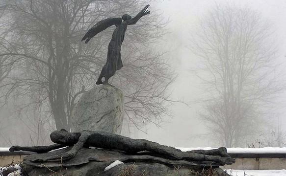Памятник погибшим во Владикавказе